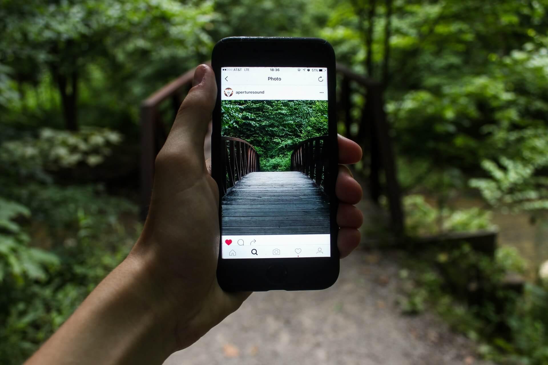 Hình ảnh và video trên Instagram nên để theo tỷ lệ dọc đứng